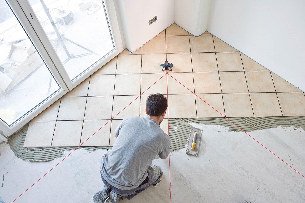 Технология укладки плитки своими руками в доме и ее виды