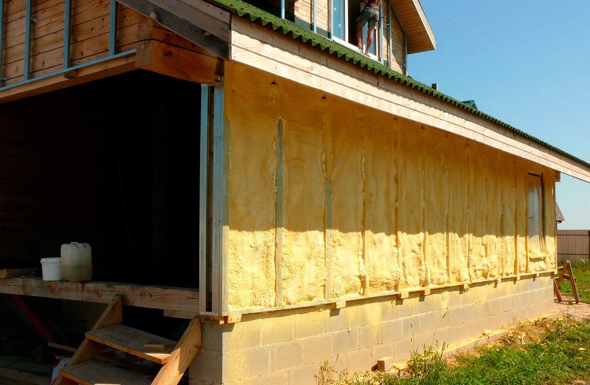 Утепление частного деревянного дома своими руками